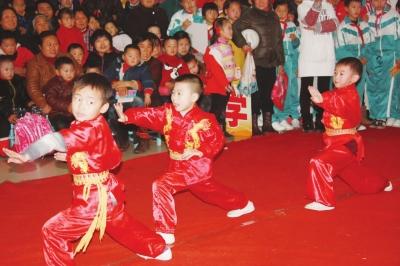 中国功夫歌曲儿童表演-中国功夫儿童表演视频,幼儿,,.